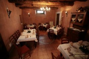 La taverna rustica antichi feudi dimora d 39 epoca hotel for Arredare pizzeria